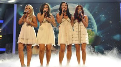 X_girlband_out